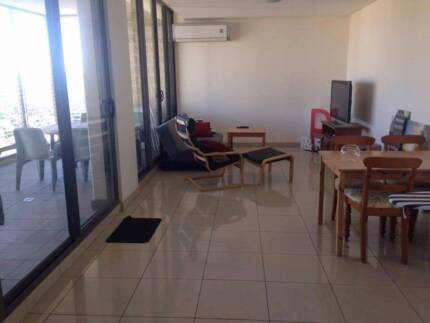 Unfurnished room (+ bathroom) in furnished unit in Parramatta CBD