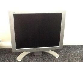 "17"" Philips computer screen with cable."