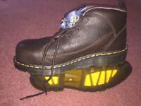 Dr Marten - Lady brown steel toe boot.