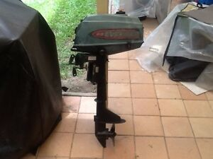Auxiliary Evinrude 2.3 HP Outboard Motor Robina Gold Coast South Preview
