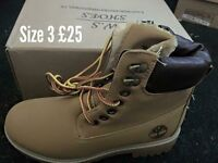 REDUCED Brand new boots size 3