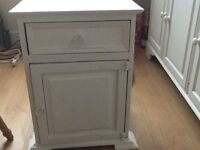 Bedside cabinet painted white in Annie Sloan chalk paint