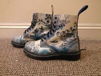 Willow Collection Dr Marten Boots (UK Size 7)