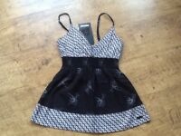 PROTEST SURF LABEL STRAPPY TOP,BLACK WITH WHITE PATTERN & BIRD PRINT RIB WAIST BAND PETITE SIZE 8/10