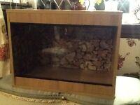 Small 60cm reptile vivarium.