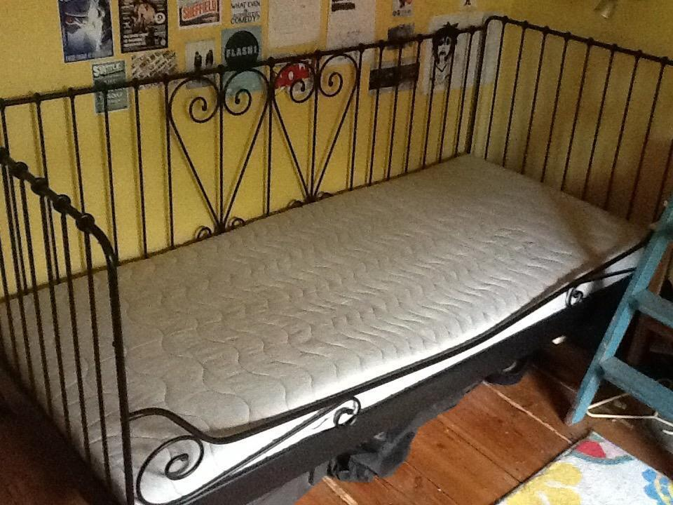 Ikea Day Bed Gumtree London ~ Ikea Single Day Bed x 2 complete with 2 x memory foam mattresses  2 x