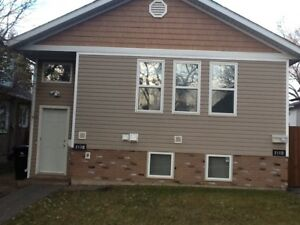 Free Rent - Newer Duplex - Garage & Fenced Yard. Available now!!