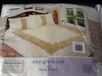 HARRY CORRY KINGSIZE BED THROW IN CREAM WITH TWO MATCHING PILLOWSHAMS
