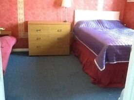 Large bedsit to let in quiet house