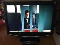 22'' tv lcd built in freeview and dvd
