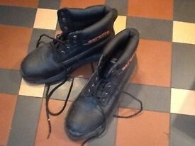 SCRUFFS NIMBUS SAFETY BOOTS, STEEL TOES, SIZE 9, HARDLY WORN