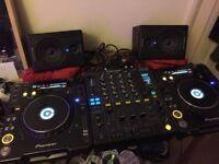 Pioneer CDJ 1000 MK3 x2 + DJM 800 + M-Audio Speakers