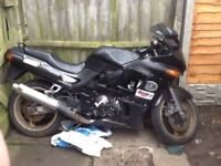 Ninja 600 rides great fast bike bit tatty needs plastic tightening front visor cracked 1key log book