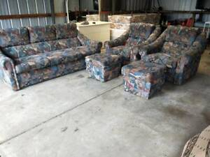 Lounge Suite 3 Seater   2 Arm Chairs   2 Ottomans Furniture Comfortab