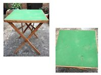 SMALL FOLDABLE CARD / LAPTOP OR DINING TABLE