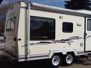 1998 22 FOOT TRAVELAIRE  5TH. WHEELER