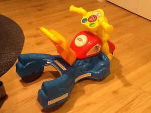 "Playskool ""walk n roll"" Rocktivity Walker"