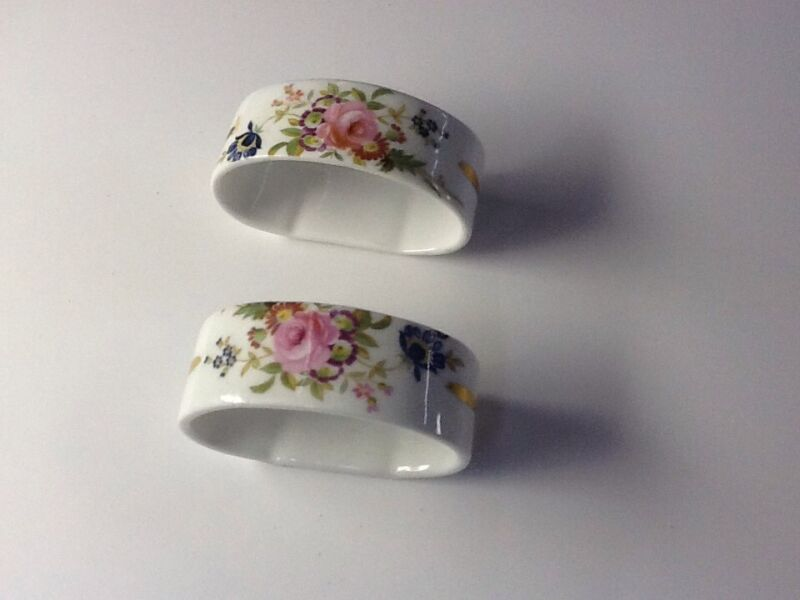 PAIR OF 2 NAPKIN RINGS  HAMMERSLEY ENGLAND VICTORIAN ROSES PATTERN BONE CHINA