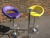 Glass bar table and two stools
