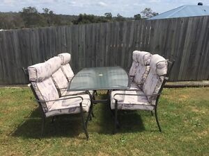 Outdoor table and chairs Brassall Ipswich City Preview