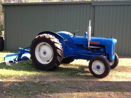 Fordson Dexter Tractor & Blade Stoneville Mundaring Area Preview