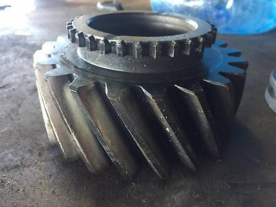 R69476 Gear For John Deere Tractor 4640 Transmission Powershift R57997