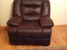 Beautiful 3 piece suite for sale.Excellent condition