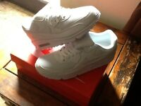 Brand new White Nike air max 90s Size uk 9
