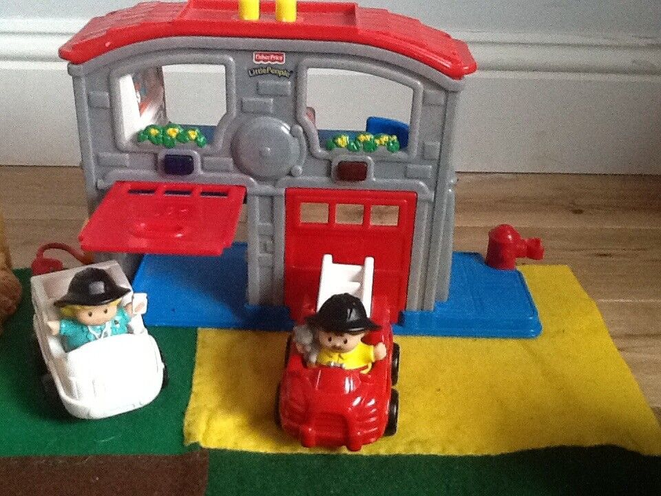Fisher price little people ambulance and fire station