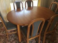 SUTCLIFFE EXTENDABLE DINING TABLE & CHAIRS