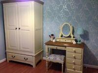 Solid wood 5 piece bedroom furniture set