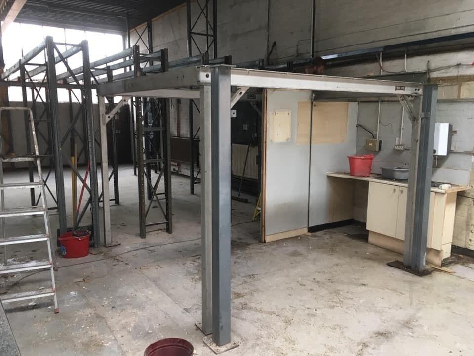 Industrial Steel Heavy Duty Mezzanine Floor Approx 130 Sqft Or 12