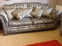 Stunning Sofa. Landsdowne - Ashley Manor Range