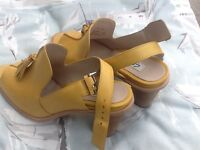 Size 5 Yellow Clarks shoes