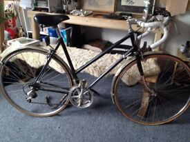 BEAUTIFUL VINTAGE WOMENS STEEL 'MIXTE' BIKE - GOOD CONDITION