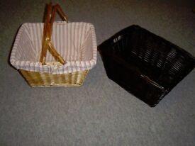 Natural Coloured Wicker Picnic Basket - Handles & Buttoned Cloth Liner & Dark Wicker Storage Basket
