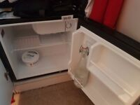 Small Fridge, near new, great condition