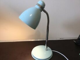 Table light with led bulb