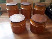 Hornsea pottery. 5 jars 2 small 3 large.