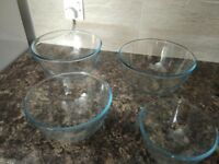 GLASS BOWLS VERY GOOD CONDITIONS ***TO COLLECT***
