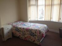 Master Double Room in Modern Semi-Detached House.