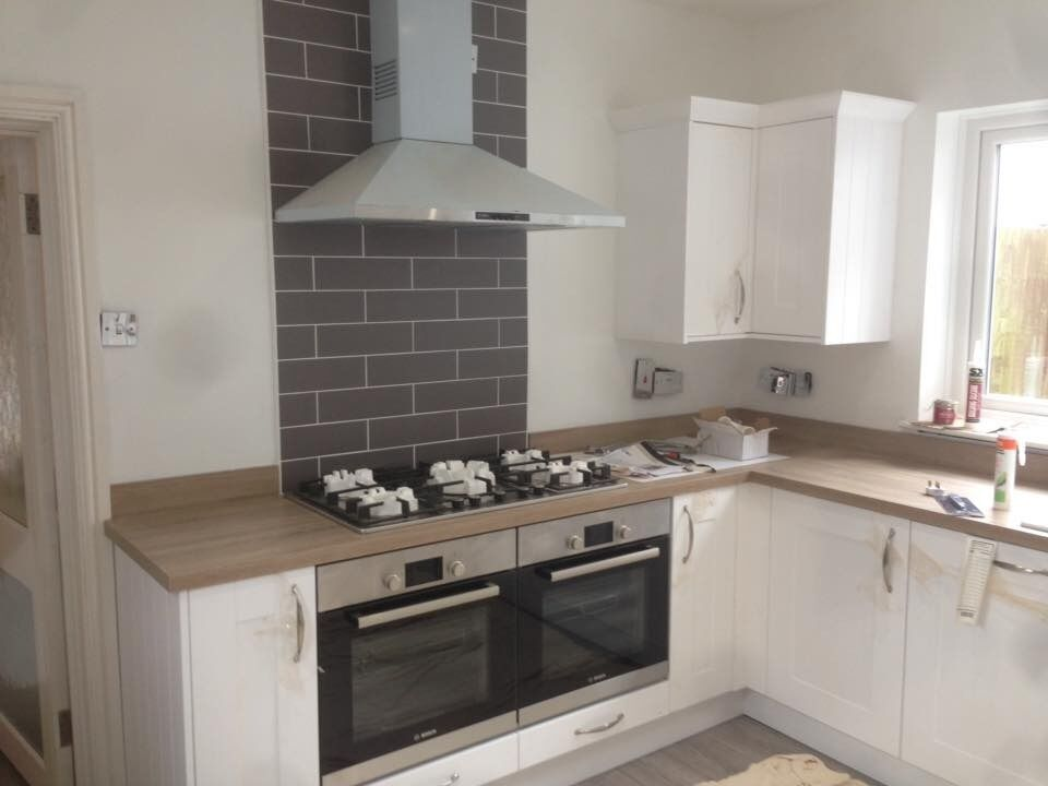 Kitchen fitter , fitting service supply and fit or fit only , floor/wall tiling and all carpentry