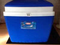 Thermos 28ltr cool box