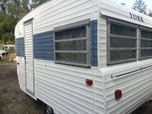 1976 YORK   VINTAGE CLASSIC CARAVAN  ON SUNSHINE COAST WITH ANNEX