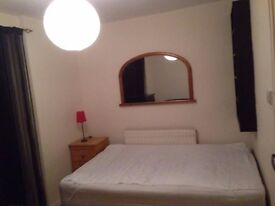 A large double room With balcony in Stamford hill