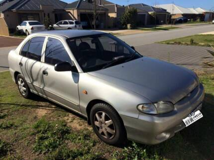 2000 Hyundai Excel Hatchback Southern River Gosnells Area Preview