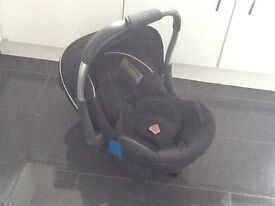 As new silver cross car seat and baby carrier from birth complete with hood and infant liner £20