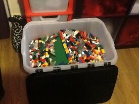 Big box of Lego 150 pounds