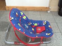 Baby rocker to clear for £3 -washed and cleaned