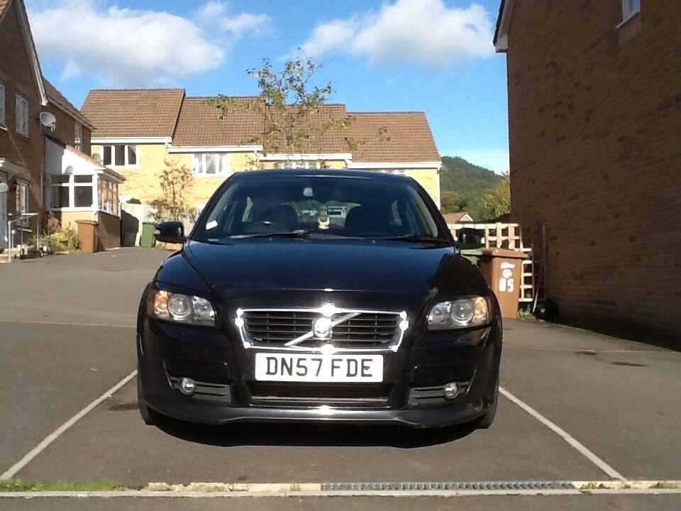 Volvo C30 R design, black 2ltr diesel ,manual, new MOT,full service history